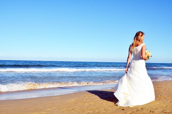 海を歩く花嫁